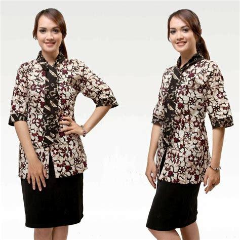 Mayura Batik Kemeja Rois Merah model dress ke kantor buat wanita april klinikmode