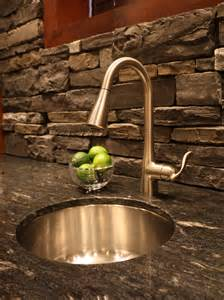 travertine backsplashes hgtv pictures stone for natural stackeed backsplash tiles kitchens and bathrooms
