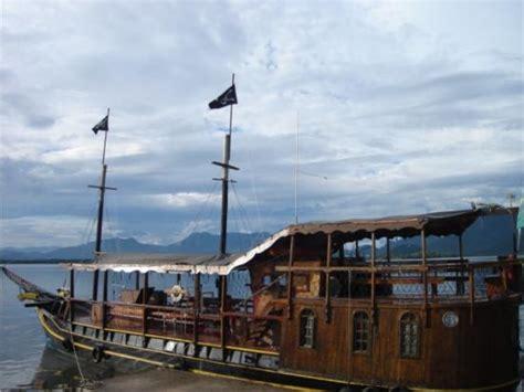 barco pirata guaratuba barco pirata picture of barco pirata guaratuba