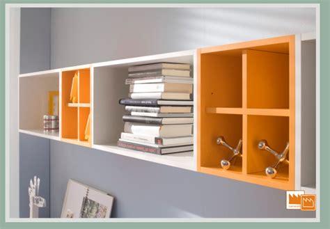 mensole arancioni contenitori puzzle camerette per ragazzi