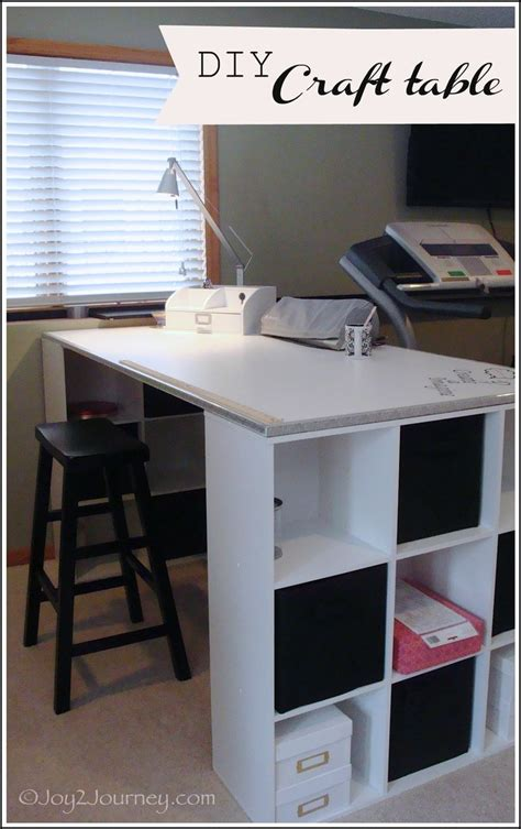 Diy Craft Desk 25 Best Ideas About Craft Station On Craft Cupboard Craft Desk And Craft Rooms