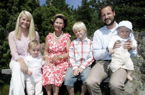 die entdeckung europas 1 familie 2 schulpflichtige kinder 11 monate reisezeit 1 kontinent german edition books um kaum ein royales baby wurde so viel aufhebens gemacht