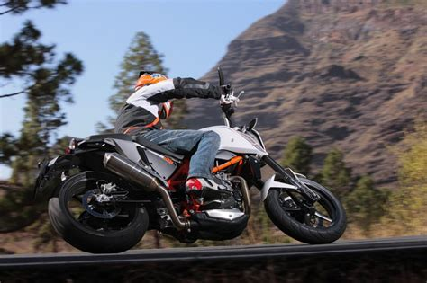 Ktm Duke 690 Top Speed 2013 Ktm 690 Duke Picture 493791 Motorcycle Review