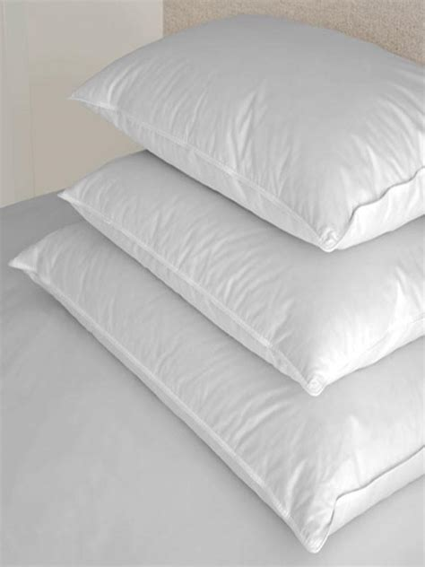 95 5 down feather pillow bed bath beyond duck down pillow 5 down 95 feathers home bedding
