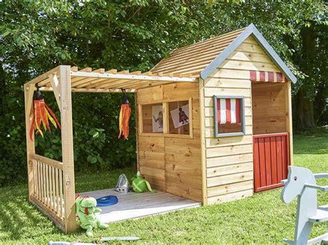 Fabriquer Une Cabane En Bois Pour Enfant by Cabane Enfant Avec Toboggan Fashion Designs