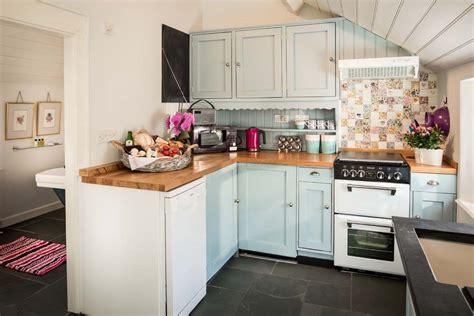 Tiny Cottage Kitchens - deco cottage anglais ou d 233 paysement total au cœur du cornwall vivons maison