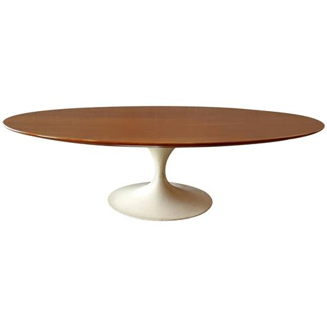 Saarinen Coffee Table Early Oval Eero Saarinen Coffee Table For Knoll For Sale At 1stdibs
