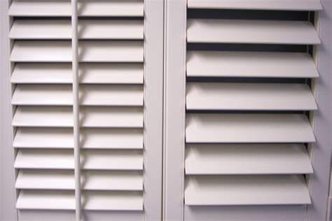 norman shutters vs douglas tilt bar or no tilt bar shutters blinds and shades