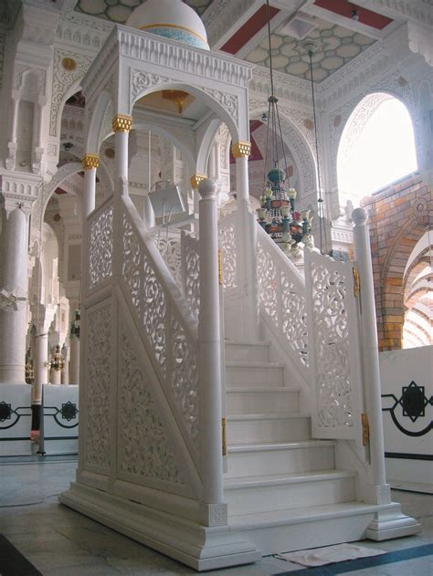 design mimbar masjid the movable marble minbar at mecca sharif created by saray