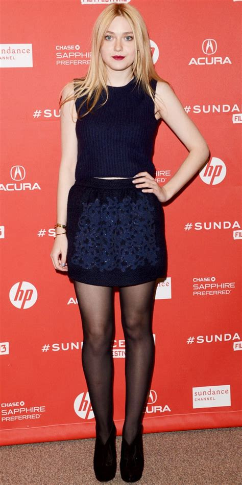 Dakota Fanning   11 Celebrities Wearing Navy Outfits ? Who