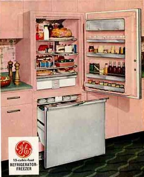 61 Mamie Pink Kitchens: It's day two immersed in this