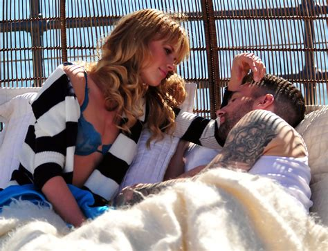 never gonna leave this bed chords adam levine and anne v photos photos adam levine and