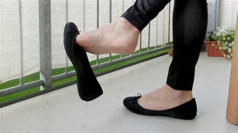 dangling flat shoes dangling black ballerinas
