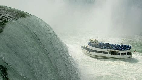 york river boat sinks 11 rescued from sinking boat on niagara river ctv
