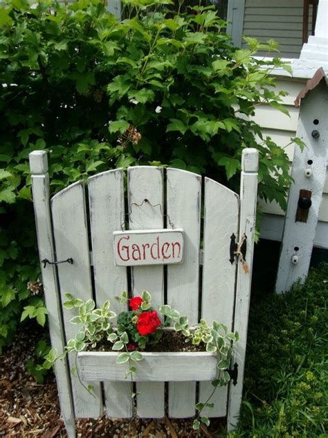 a shade of vire 6 a gate of volume 6 garden gate planter with geranium diy