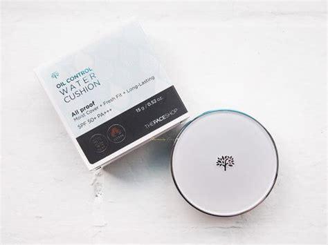 Bedak Di The Shop 10 merk bedak untuk kulit berjerawat yang recommended