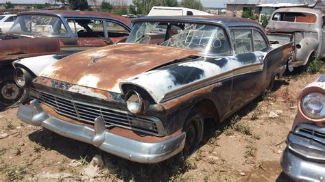 auto salvage  hold auction  close  cars weekly