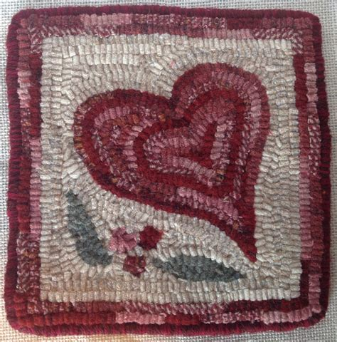 heart pattern rugs rug hooking pattern heart mat 8 x 8 j994 primitive rug
