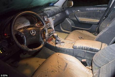 Nackt Auto by Flash Flood In Italian Tourist Hotspot Molinetto Della