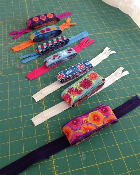 vinyl pouch pattern ribbon and vinyl zipper pouches free tutorial