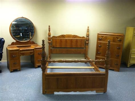 Antique Looking Bedroom Furniture by Antique Deco Waterfall Style 1930s 3 Pc Bedroom