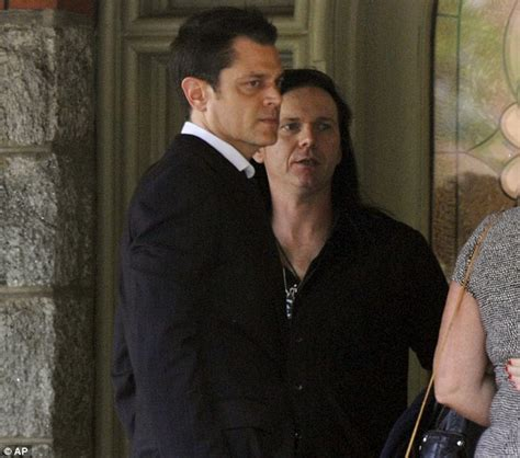 dunn dead johnny knoxville leads mourners at