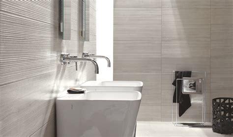 contemporary bathroom flooring collezione rivestimenti per il tuo bagno ragno