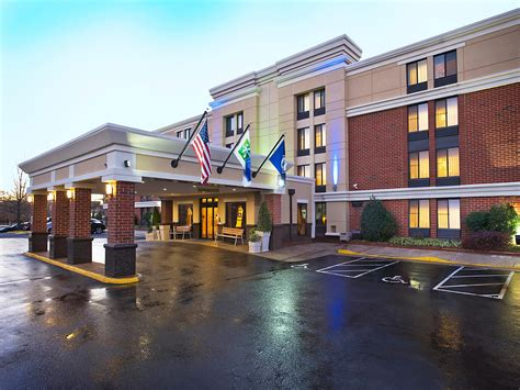 design management group reston va virginia holiday inn to switch flags to fairfield hotel