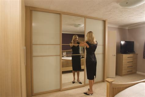 Sliding Door Systems For Wardrobes by Sliding Wardrobe Doors Bedroom Furniture By Swan Systems