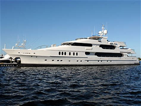 boat shop cowan source tiger woods sets sail from florida