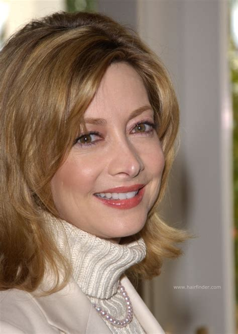 hairstyles for middle age women sharon lawrence middle length hairstyle for 50 or
