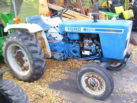 ford 1700 tractor 1980 ford 1700 tractors compact 1 40hp deere