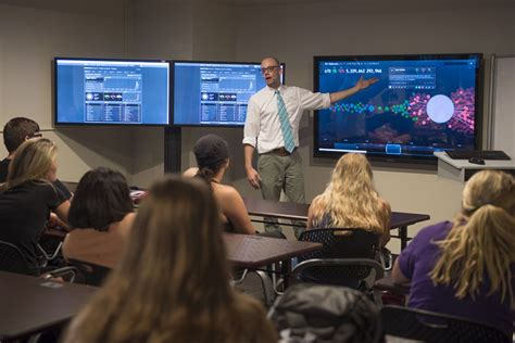 social media room illinois state launches social media analytics command
