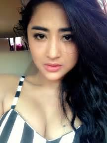 Dewi Persik Dewiperssik On Quot D P Rt Rockieadithia Mirip