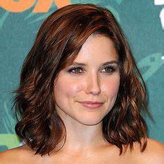 medium length haircut easy to maintain hair cut color on pinterest sophia bush hair color