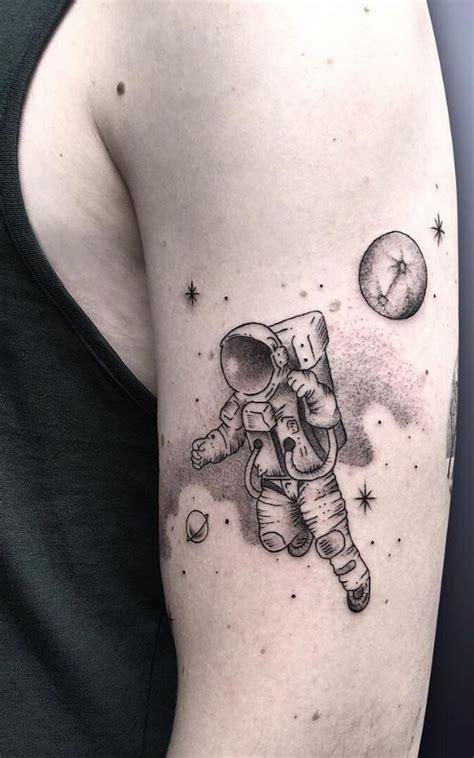 spaceman tattoo 25 unique astronaut ideas on astronaut