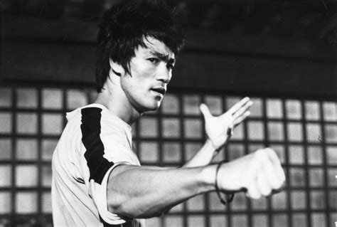 bruce lee full biography bruce lee height weight age bio body stats net worth