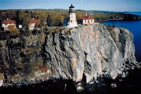 boat rental near duluth mn lighting the lake split rock lighthouse two harbors