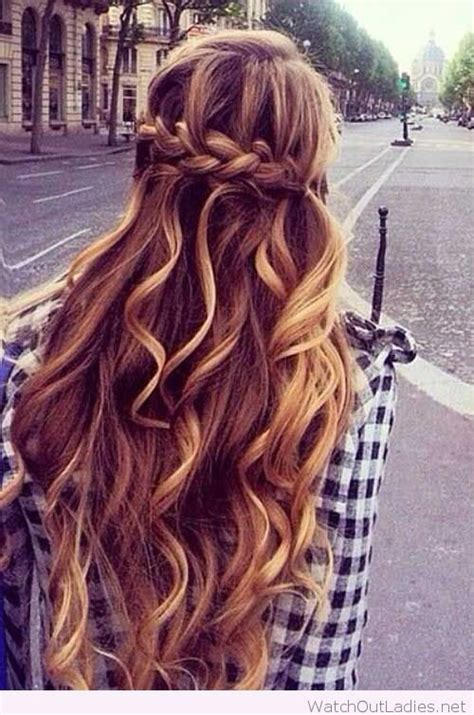 half up half curly hairstyles pretty hair half updos with curls out