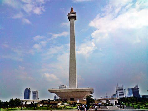 Monumen Nasional Monumen Keagungan Bangsa Indonesia image gallery monumen nasional