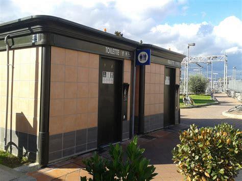 bagni pubblici a pagamento il bagno pubblico a pagamento today s toilet