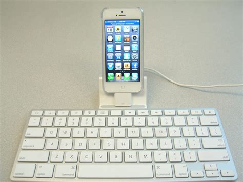 Keyboard Papada For Iphone 5 using an apple keyboard dock with your iphone 5