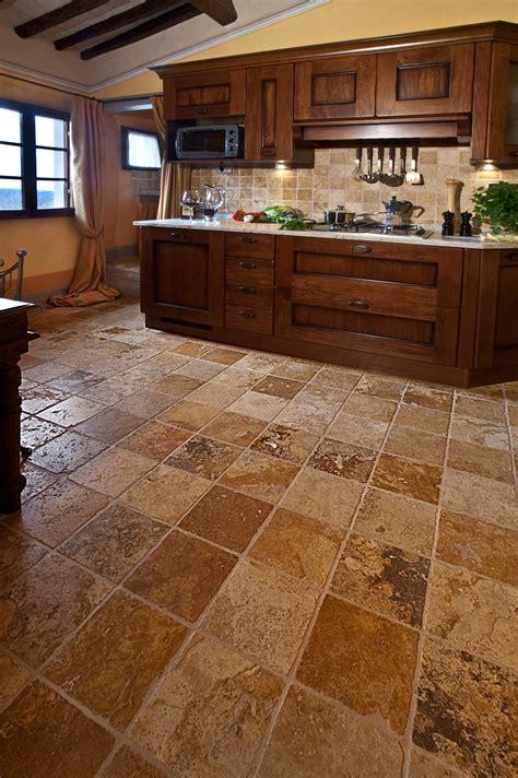 piastrelle finto cotto scegliere il pavimento della cucina effetto legno