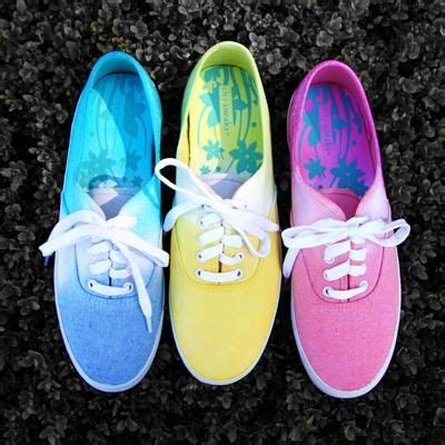 tie dye shoes diy diy tutorial diy ombre in my step tie dye shoes
