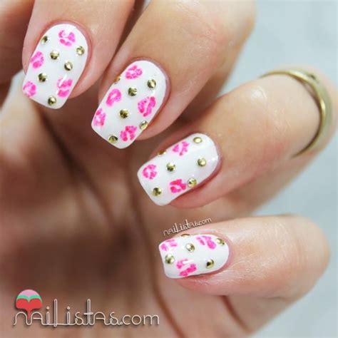 imagenes uñas decoradas rosas u 241 as decoradas con tachuelas y besos nail art paperblog