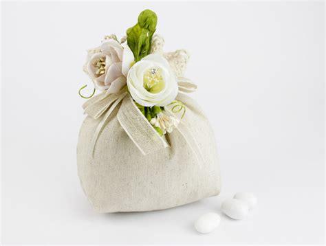 fiori portaconfetti matrimonio sacchettino portaconfetti tortora pizzo con applicazione