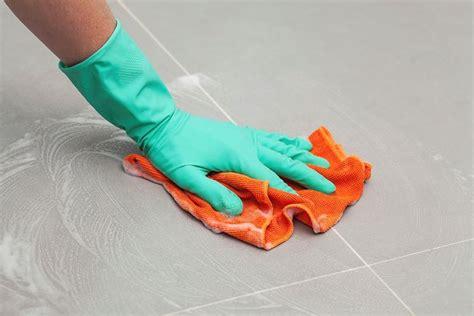 pulire piastrelle come pulire le piastrelle