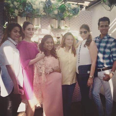 Who Attends Baby Showers by Kareena Kapoor Khan Attends A Baby Shower With Friends