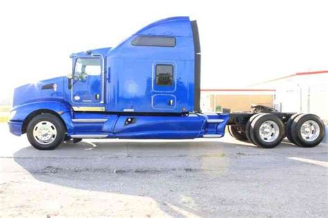 2012 Kenworth T660 Studio Sleeper by Kenworth T660 2012 Sleeper Semi Trucks