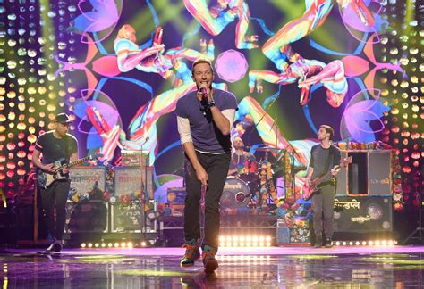 coldplay every glow mp3 download 6 reasons why the coldplay concert is the best one you ll